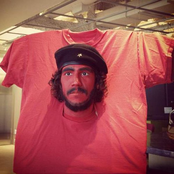 8db6ba31a403553f9d44d18ff6ba23e4-awesome-che-guevara-t-shirt-halloween-costume